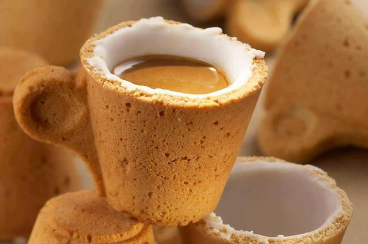 Interesting_coffee_cup_drink_coffee_and_eat_the_cup_buscuit_creative_innocative_idea_pics
